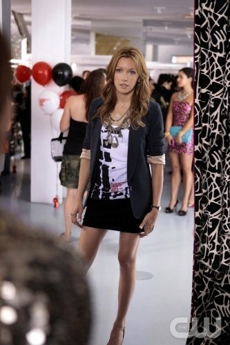 """The Undergraduates"" Pictured Katie Cassidy as Juliet Gossip Girl PHOTO CREDIT:  GIOVANNI RUFINO/ THE CW ©2010 THE CW NETWORK.  ALL RIGHTS RESERVED"