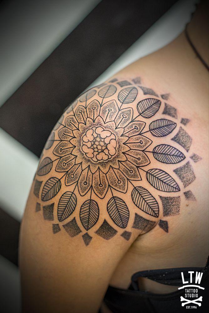 Tatuajes Mehndi Hombro : Mejores ideas sobre tatuaje en el hombro de mandala