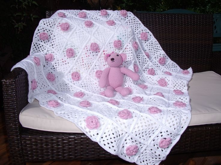 Crochet Baby Blanket. /www.etsy.com/uk/listing/204844300/pretty-flowered-crochet-baby-blanket?