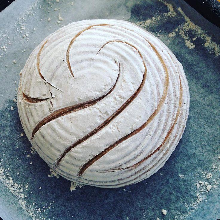 ☺️#sourdough #artisanbread #instabake #homebaking #organic #breadscoring