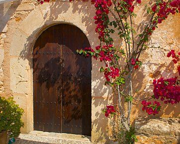 Mallorquinischer Charme pur erwartet Sie in der Yoga Finca Son Verd. Reisedetails: http://www.neuewege.com/Yoga-Reisen/Spanien/Mallorca/Finca-Son-Verd-Mallorca-Yoga-Auszeit-auf-der-Insel-_ESG03