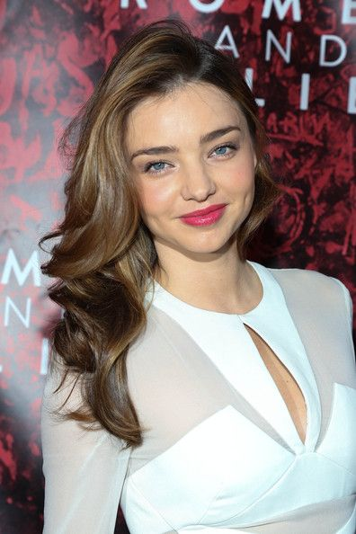 Miranda Kerr Long Wavy Cut - Miranda Kerr attended the Broadway opening of 'Shakespeare's Romeo and Juliet' wearing a super-sweet wavy 'do.