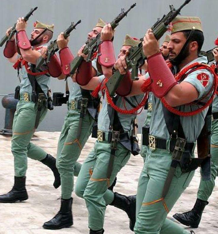 иностранный легион испании фото девушка куртке-косухе фоне