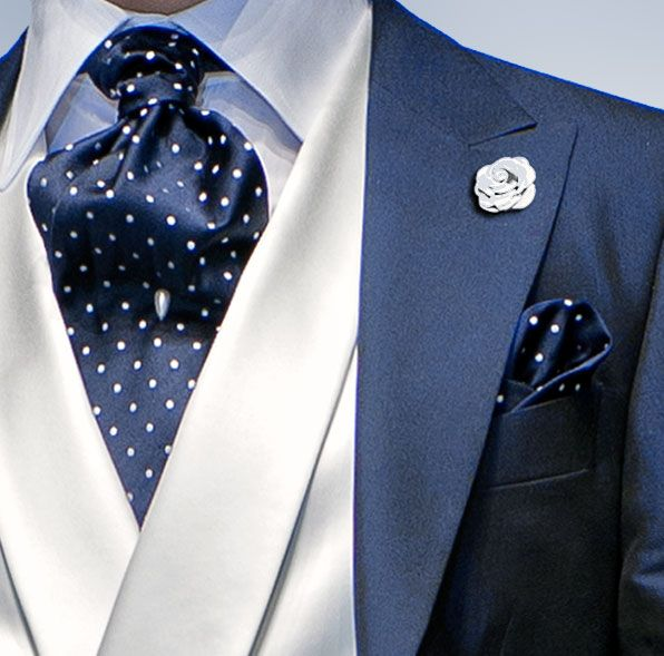Maskuline version: pearl tie pin. But does it work with a tee shirt?