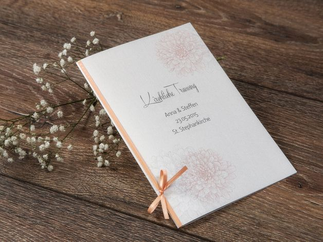 """Hochzeitskarten - Kirchenheft """"Dalia"""" apricot - ein Designerstück von Formatreich-Hochzeitskarten bei DaWanda"""