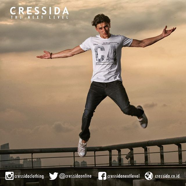 Let's play #Cressida #CressidaONL #cressidaclothing #bdg #indonesia #fashion #fashionbdg #fashionblogger #fashionista #style #badboy #otd #rooftop #fly