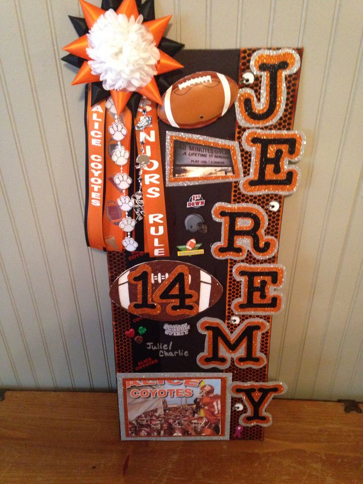 Week 8 homecoming locker dec