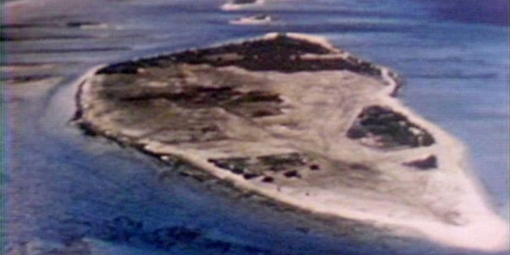 Morley Safer visits Enewetak, a chain of 40 islands in the Pacific used by the U.S. to test nuclear weapons in the 1940s and 50s. Three decades later,  the cleanup continues -- and displaced inhabitants are fighting for their right to return.