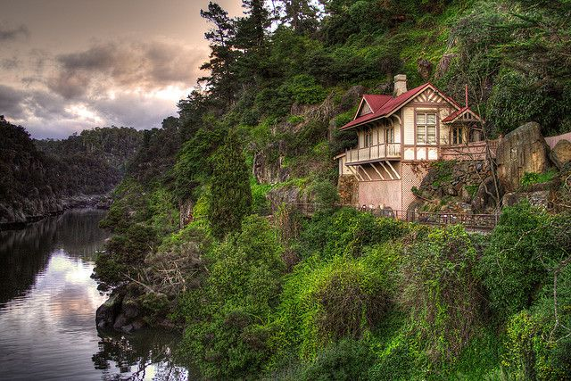 House on a cliff, Cataract Gorge, Tasmania, Australia (by Senrab4).