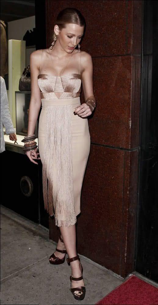 Blake Lively nude dress. Neutral formal dress. #nude #summerfashion