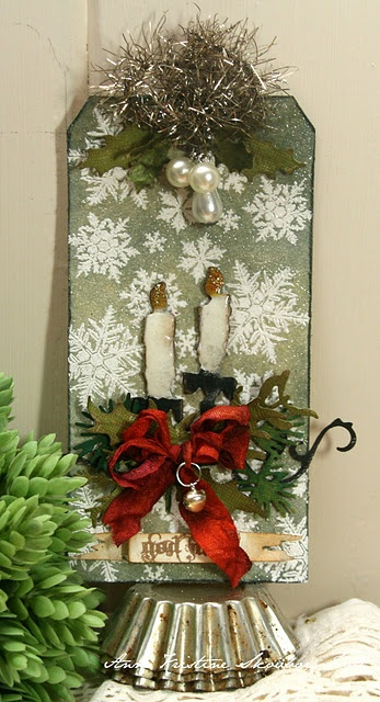 Christmas tag, directions to make tag: http://annespaperfun-aksh.blogspot.com/2011/12/12-tags-of-christmas-tag-9.html