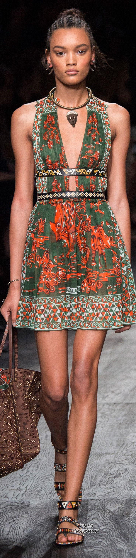 Valentino SS2016 Women's Fashion RTW | Purely Inspiration