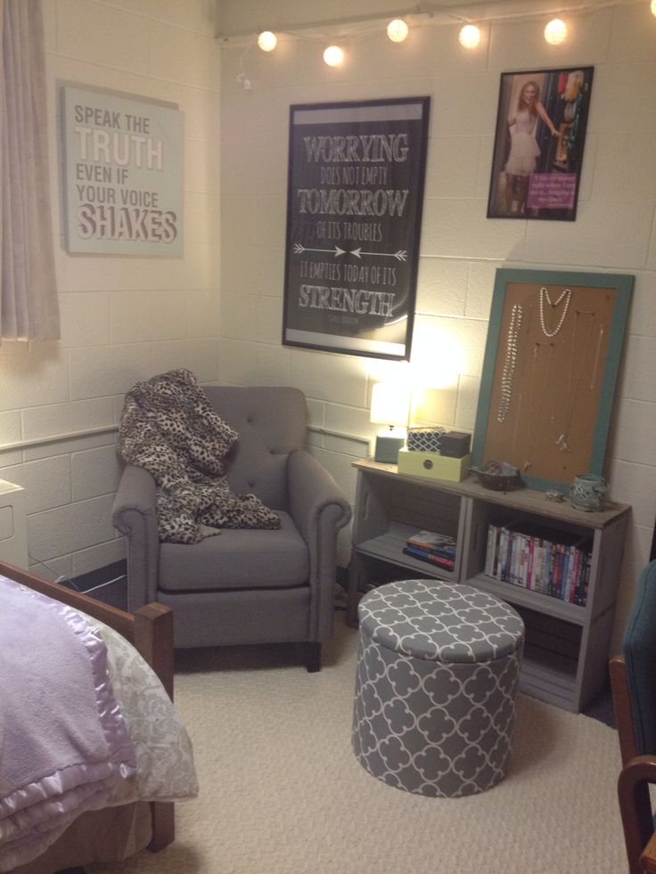 25 Best Ideas About Single Dorm Rooms On Pinterest