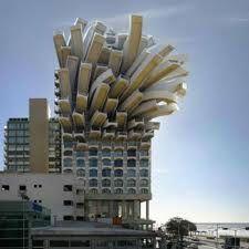Architectuur = Verzamelnaam voor alles wat gebouwd is.