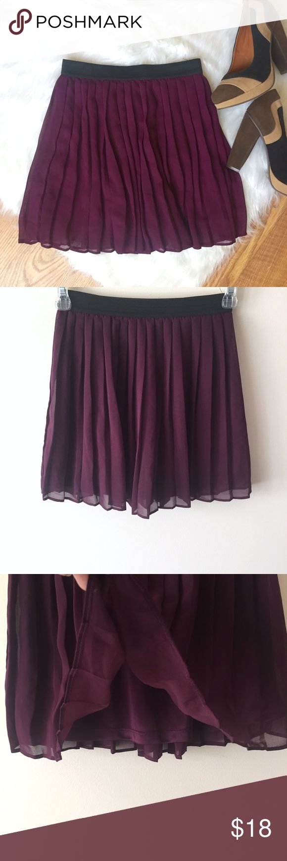 F21 Burgundy Skirt F21 Burgundy Skirt   A playful burgundy skirt by Forever 21. Chiffon like pleated outer with a silky lining. Stretchy elastic waistband. Perfect condition! Size S Length 15 inches Waist 12 inches (not stretched) Forever 21 Skirts