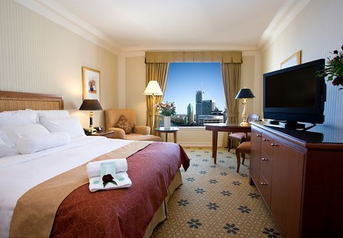 BRISBANE MARRIOTT HOTEL - From the traditional yet elegant room decor, to the marble bathrooms, celebrated revive luxury bedding package and state of the art in-room technology, our hotel in Brisbane offers cutting edge comfort.