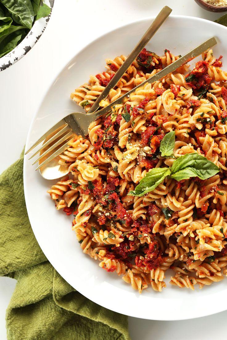 AMAZING 6 Ingredient Sun-Dried Tomato PESTO Pasta! 6 ingredients, 20 minutes, SO delicious and healthy! #vegan #glutenfree #pasta