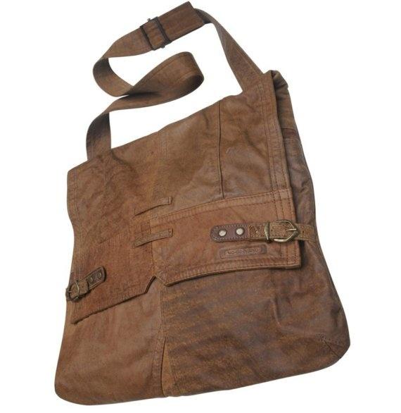 Va.de.nuevo ecologic design created recycling leather : www.vadenuevocr.etsy.com