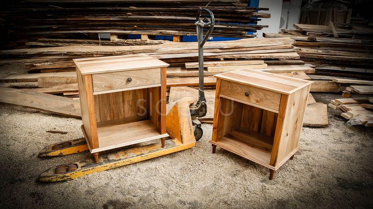 Тумба Classic Классические прикроватные тумбы измассива ценных пород древесины подойдут клюбому изысканному интерьеру.  Подробнее здесь: http://amp.gs/Tupf #тумбы #тумбочки #прикроватныетумбы #спальня #классика #гостиная #дизайнинтерьера #мебель #мебельназаказ #slab #издерева #мебельиздерева #interior #eco