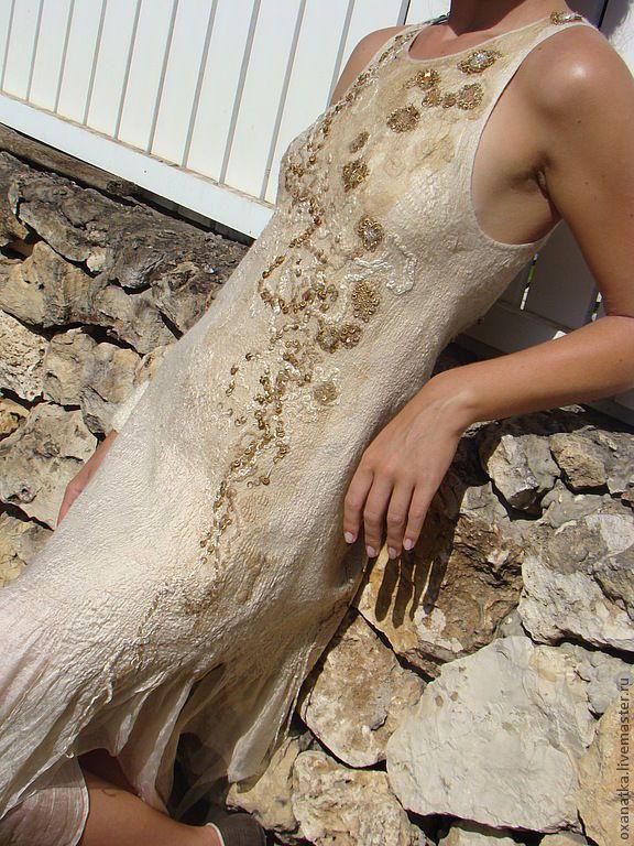 Купить Валяное платье Злато скифов - бежевый, авторская ручная работа, нарядное платье, нуновойлок