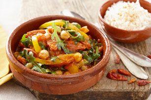 Vous cherchez un plat végétarien simple et délicieux? Ne cherchez plus! Des poivrons, des pois chiches, de délicieuses tomates et de la roquette piquante composent ce savoureux ragoût. Servez-le sur du riz et le tour est joué!