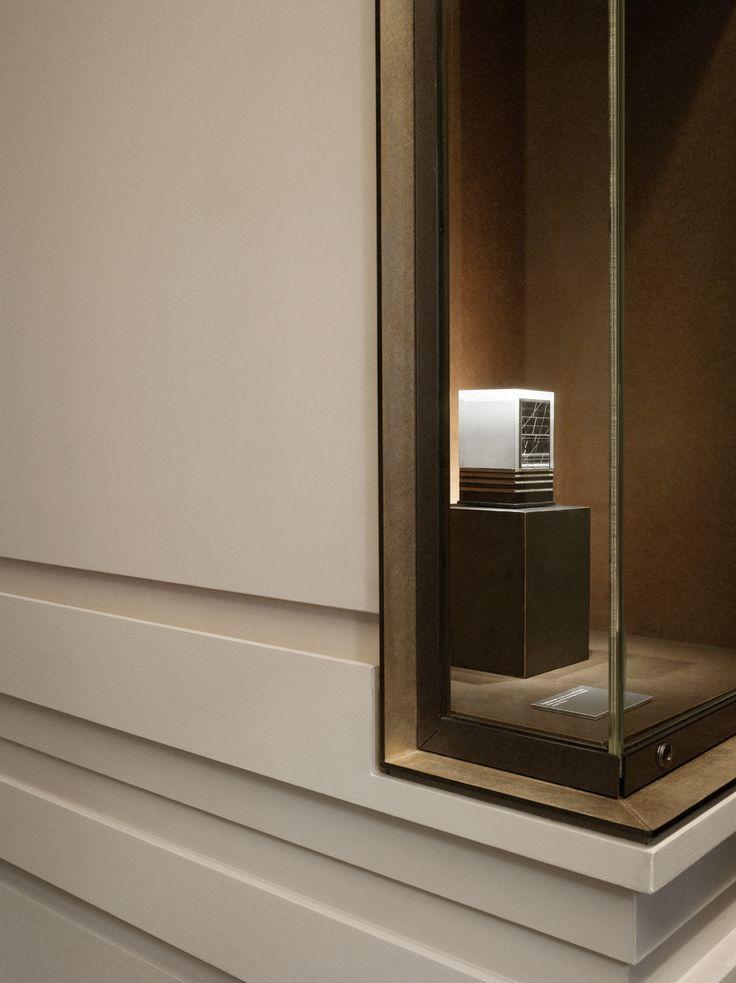 Tristan AUER - Stand Cartier, Biennale des Antiquaires 2012, Paris. Crédit photo Tommaso Sartori.