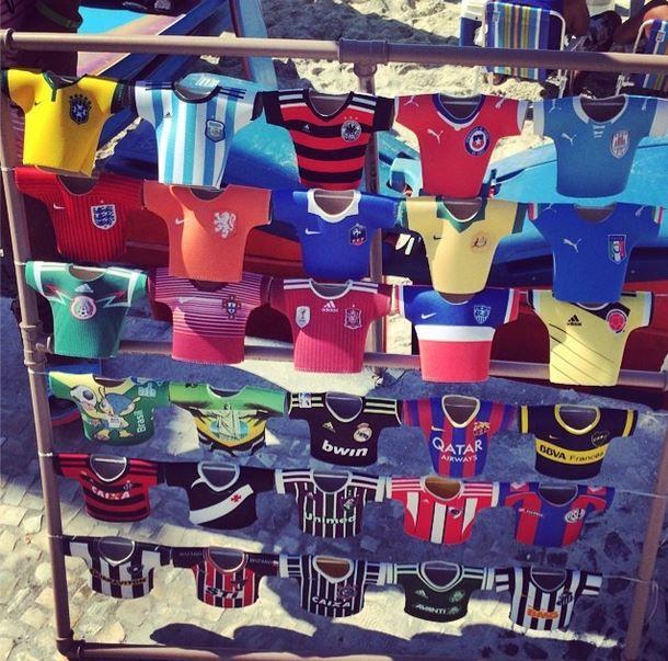 La camiseta de su Selección llévela llévela si hayyyyy!! #worldcup vista la lata vistala  #rio