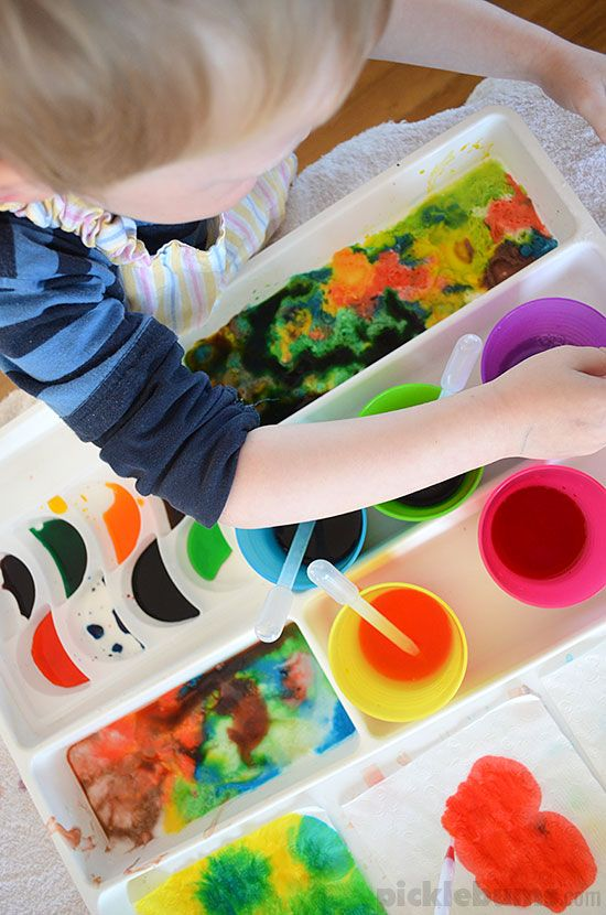 The simple items and ingredients in our eye dropper activity tray really capture the imagination and lead to so much exploring and experimenting.
