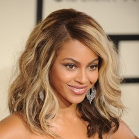 Blonde waves - Beyonce hairstyles from ghd