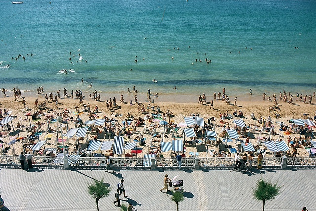 San Sebastián, España (Flickr: seanomatopeia)