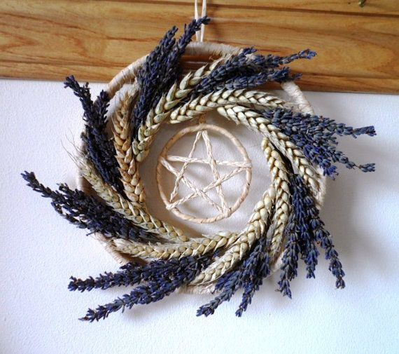 Lammas Summer Harvest Wheat & Lavender Pentacle Wreath. I'd love to try this! It doesn't look very difficult, but looks are probably deceiving...
