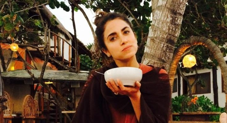 Nikki Reed's Secrets for Healthy Eating on the Go www.theteelieblog.com There's one challenge I face in my life over and over again: trying to maintain a healthy lifestyle while traveling constantly. #thrivemarket
