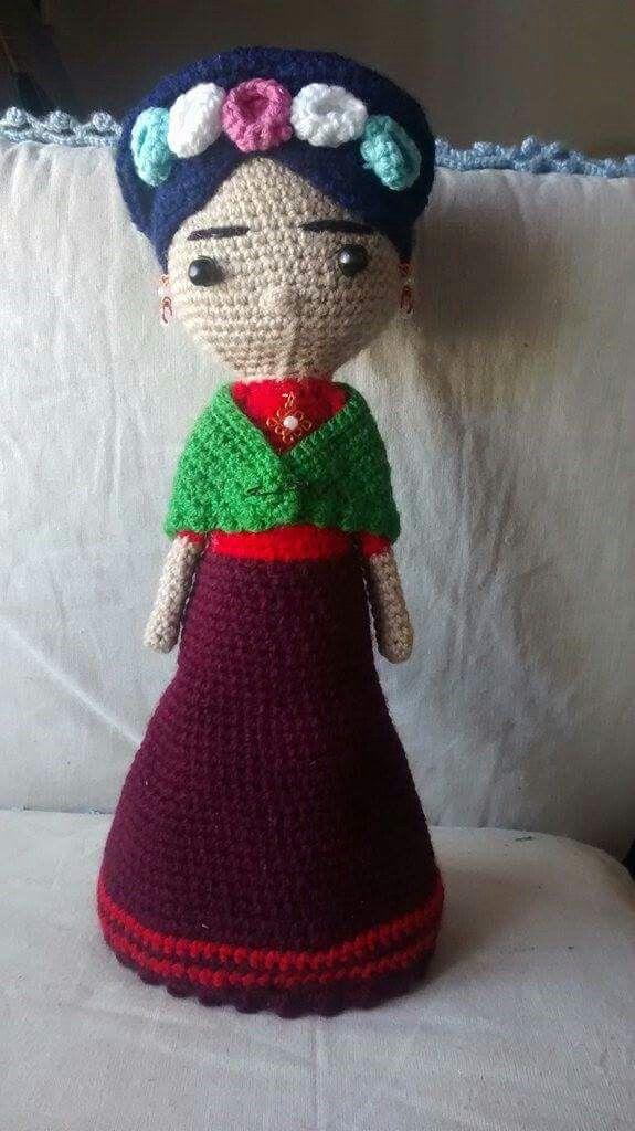 Frida Kahlo amigurumi con patrón libre