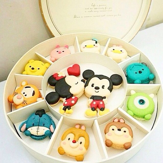 Disney macroon! These were just to adorable not to pin.