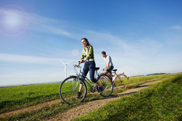 Even though Poland is behind phenomenal biking countries such as Holland or Scandinavia, we have nothing to be ashamed of. With our paved cycling lanes in the cities, hardened forest trails, river banks and railroad embankments – our country is a great place for a biking holiday. http://www.polen.travel/sv/cykling/
