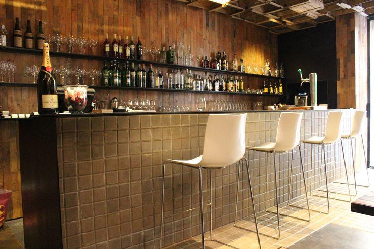 Canalla bar es la barra de canalla bistro restaurante en for Diseno de barras de bar