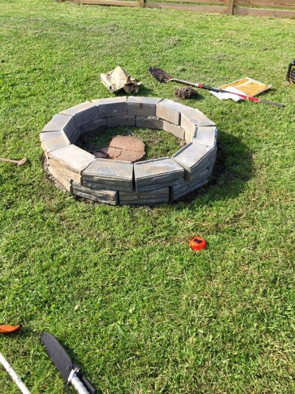 DIY Retaining Wall Block Fire Pit