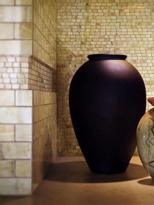 Напольные вазы в интерьере – изысканное совершенство стиля