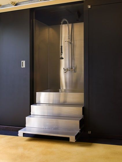22 best dog wash images on pinterest dog wash bathtubs and construction this industrial looking bath is definitely practical in terms of cleaning the pull out stairs are absolute genius let your dog walk up solutioingenieria Choice Image