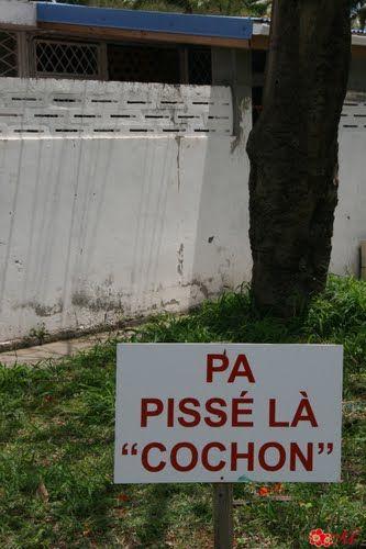 Signalétique Martiniquaise ! - Sainte-Anne #Martinique © AliZéMédia