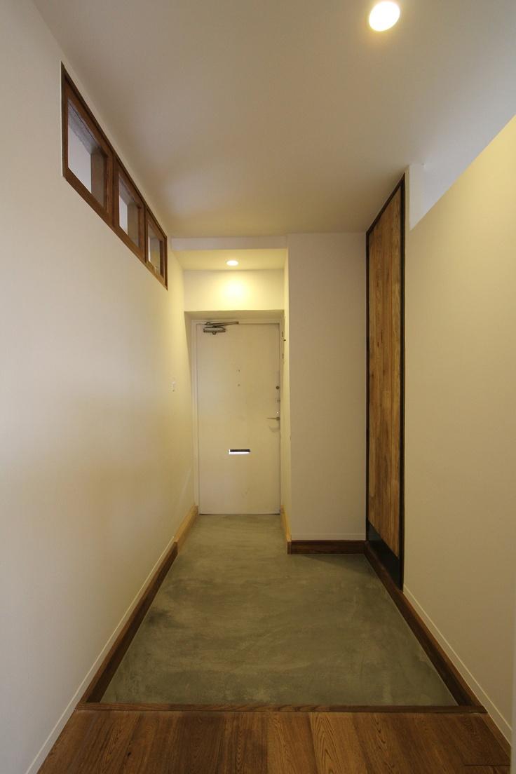 Entrance/玄関/モルタル/建具/窓/扉/フィールドガレージ