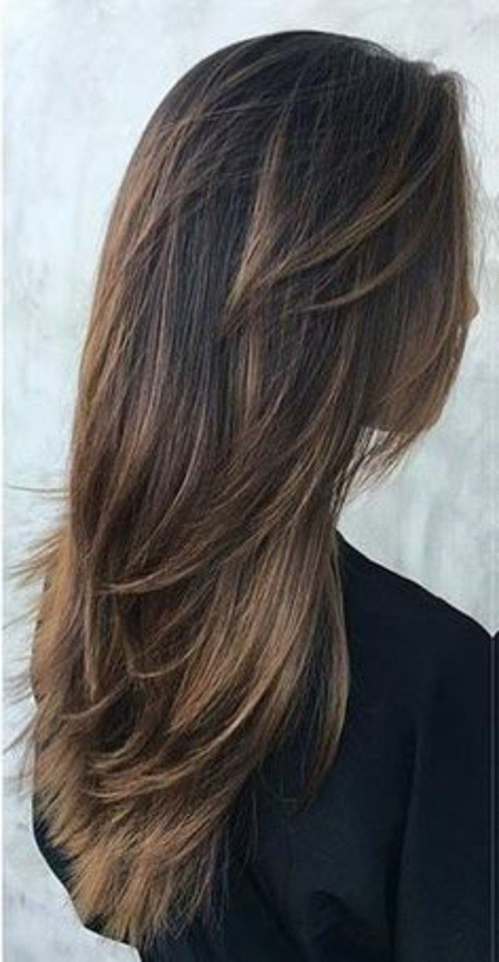 cortes-de-pelo-largo-fleco-largo-oscuro