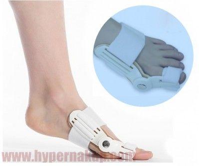 Účinný korektor ortéza s kĺbom pre nápravu vybočený palcov na nohách Hallux Valgus. Korektor je aplikovateľný počas dňa aj noci a tak dokáže nepretržite pôsobiť na postihnutý palec. Kĺb korektora - fixátora umožňuje nosenie aj počas dňa pri chôdzi v bežnej pohodlnej obuvi . Používa sa v miernych až stredných prípadoch deformácie palca alebo ako prevencia po operácii. Uchytenie na chodidlo je riešené za pomoci pevných ale k pokožke jemných dĺžkovo nastaviteľných  remienkov so zapínaním na…