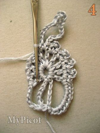 tutorial 4 6 chs, 1 dc/sc in the same space of 1 ch of previous lace motif