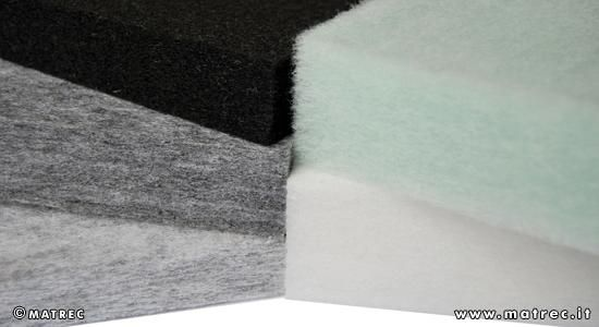 MATREC code: RPLA0419 Panel made of 75% polyester fibres from the recycling of PET bottles.