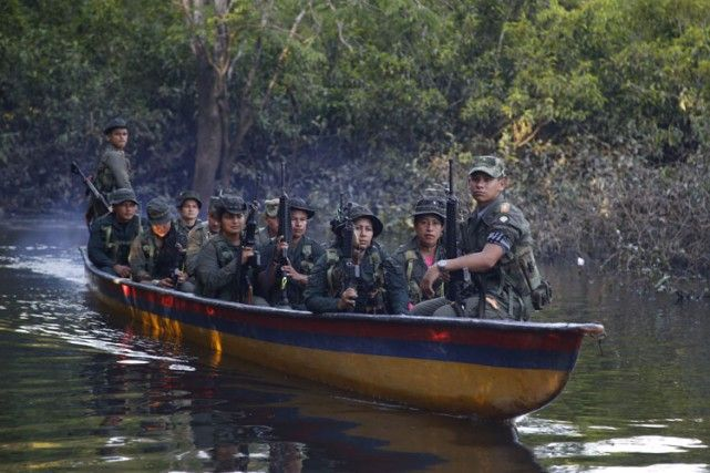 24 août 2016 - La Colombie et les FARC scellent un accord de paix historique