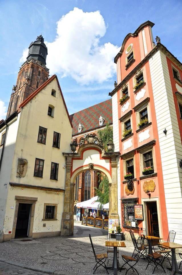 Wroclaw. Chrám sv. Alžběty - největší farní kostel v hl. městě Slezska, významné evangelické středisko. Se 47 oltáři...