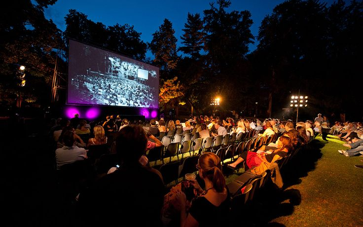 Great movies under the stars... and it's all free! © Sabrina Montiglia #lugano #luganoinblog #movies #pardo #cinema