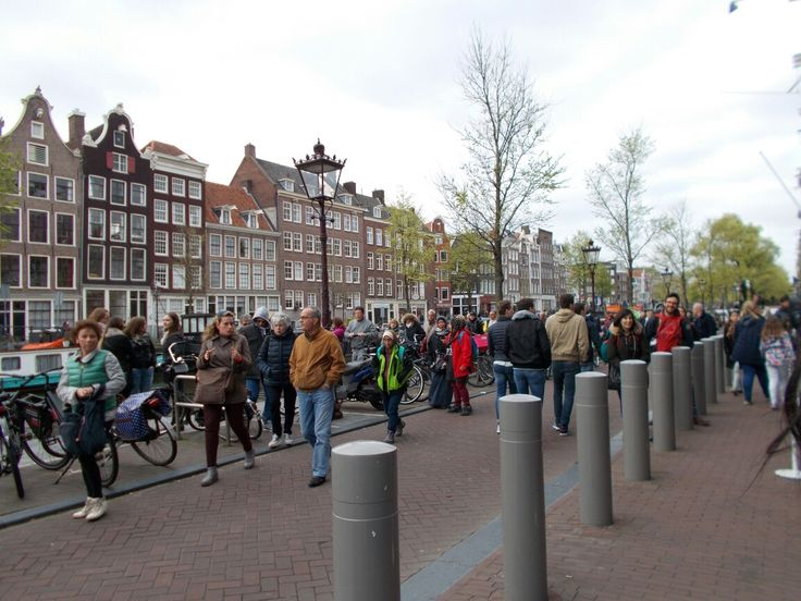 So many people from anywhere and everywhere on the globe. Amsterdam, Holland. #amsterdam #holland