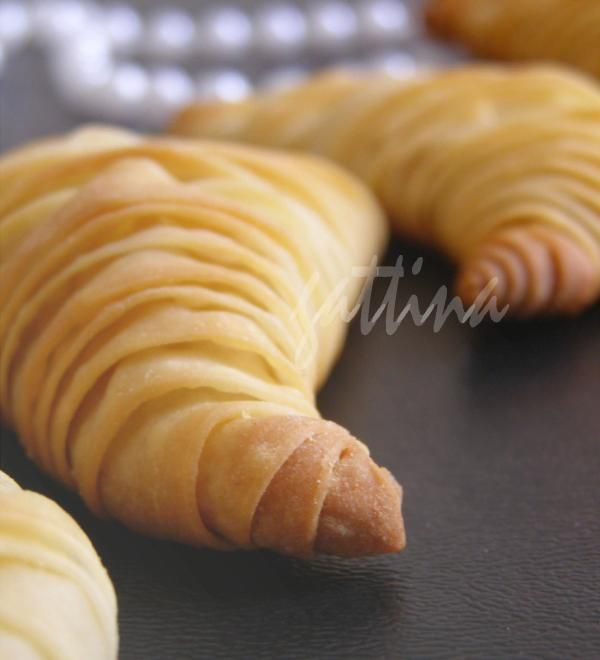 Kitchen Unplugged Flaky Ricotta Pastry (lobster tail). Queue De Homard  PâtisserieQueues De HomardHomardsRecettes